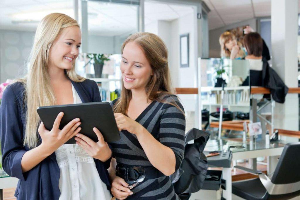 Program fryzjerski – więcej wizyt i umówionych klientów