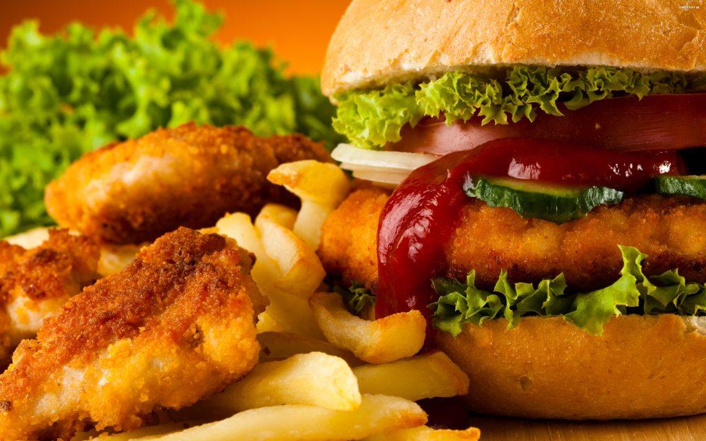 Dlaczego warto jeść dania fast food?