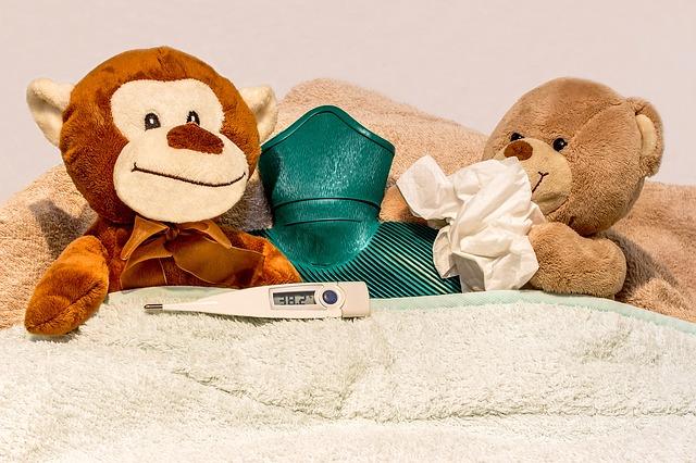 Kołdra i poduszka dla niemowlaka – postaw na jakość